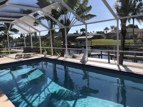Gulf-access. Heated pool and boat dock. Beautiful sunsets. Villa Dolphin