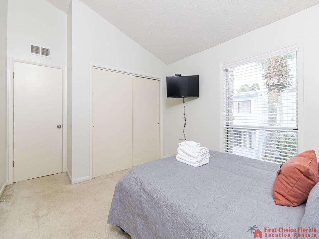 Guest Bedroom - Queen Bed with TV