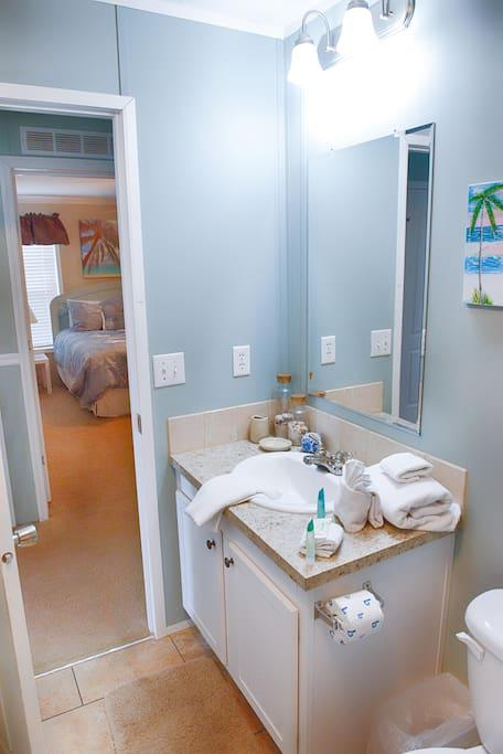 #2 Full Bathroom with Bathroom Amenities - Starter Kit for Guest