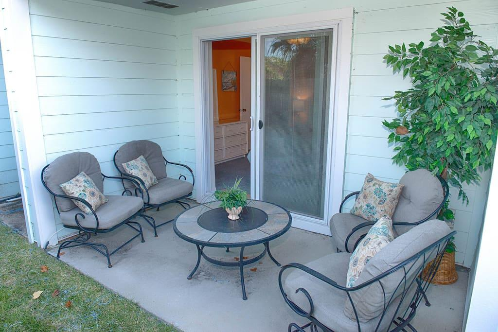 Back Porch w/room for 4 to sit in very comfortable rocking chairs with cushions