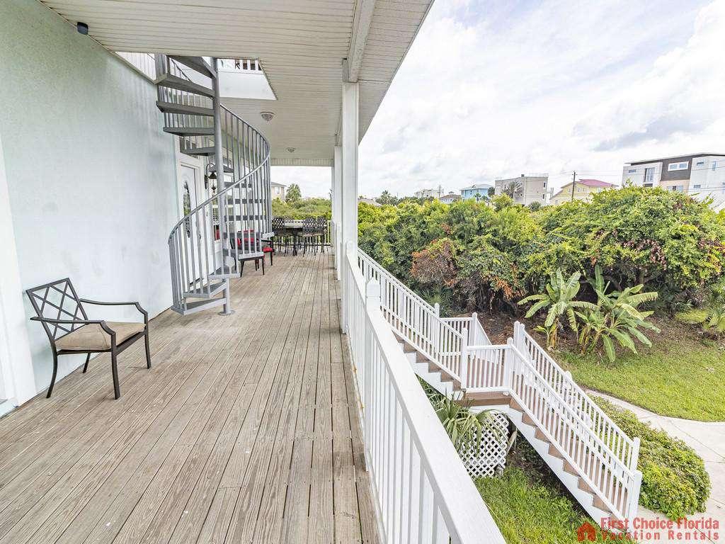 Coastal Hideaway Balcony