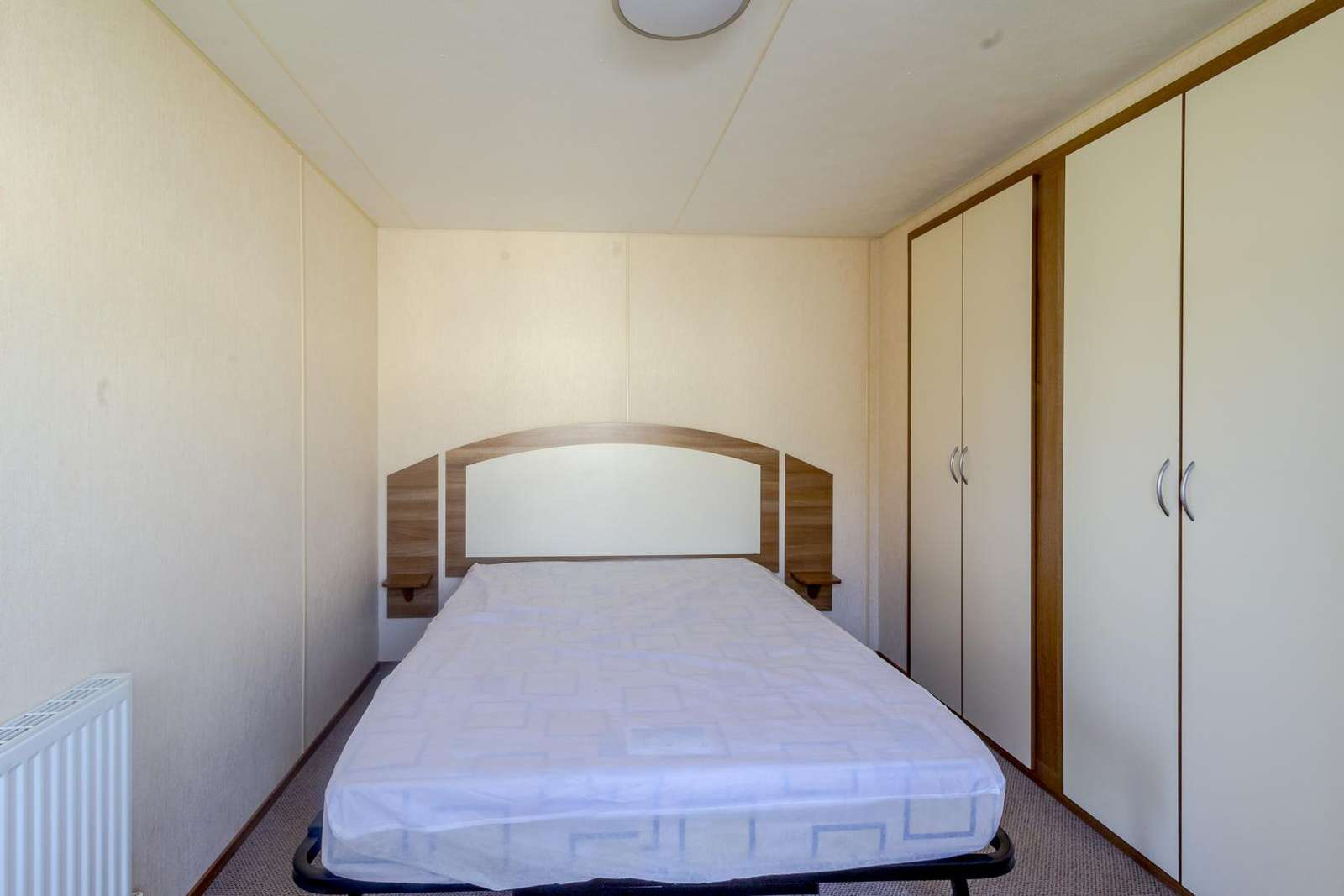 Great size master bedroom