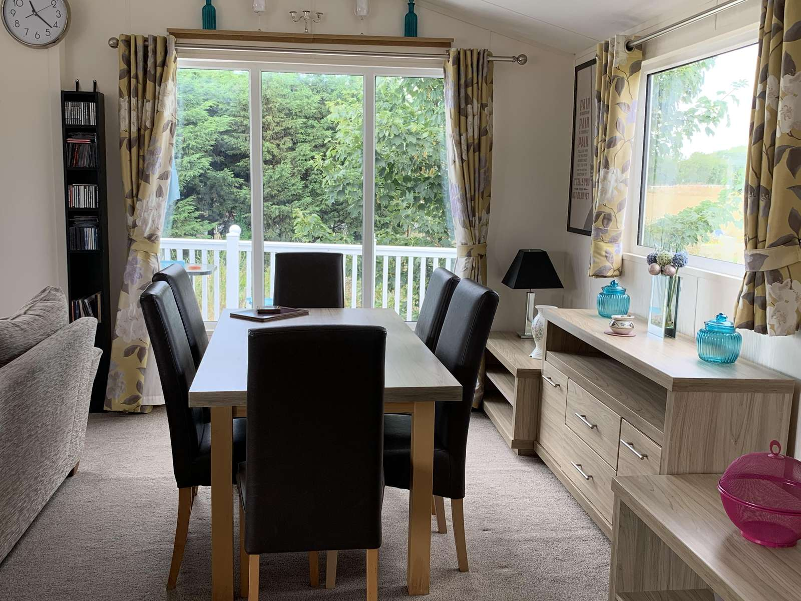 Perfect place to dine with family and friends in this self-catering accommodation