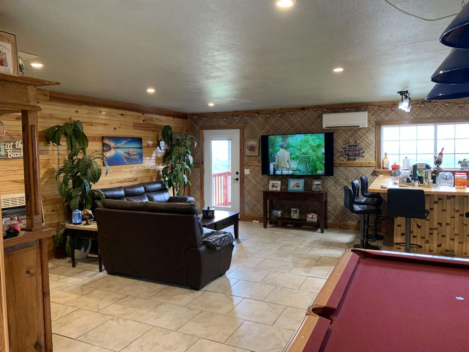 Game Room/2nd Living Area