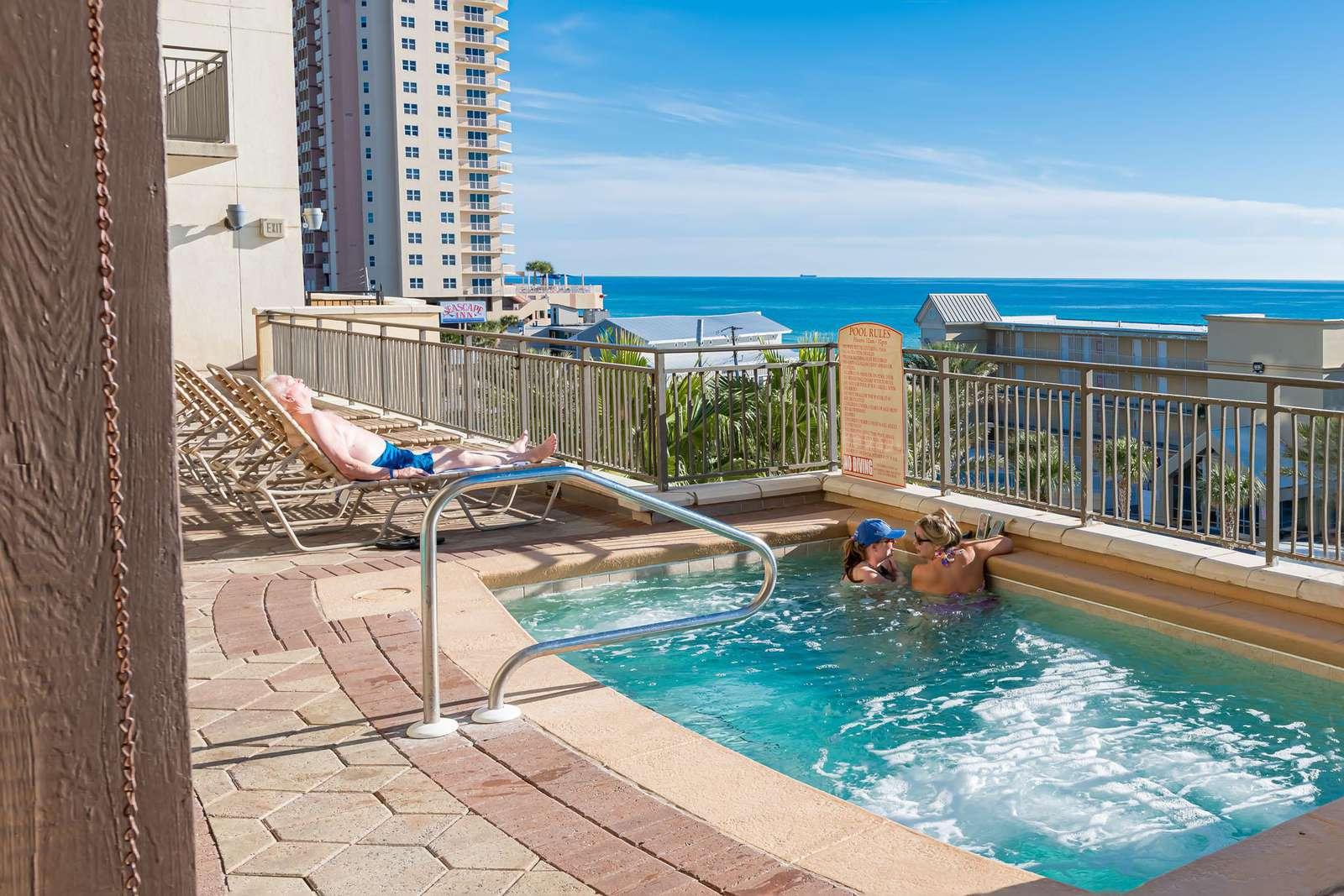 Spacious hot tub with beach views on the 4th floor!