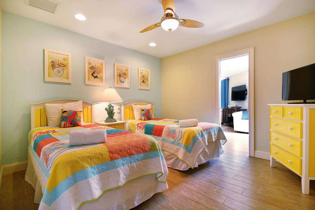 2 twin beds bedroom