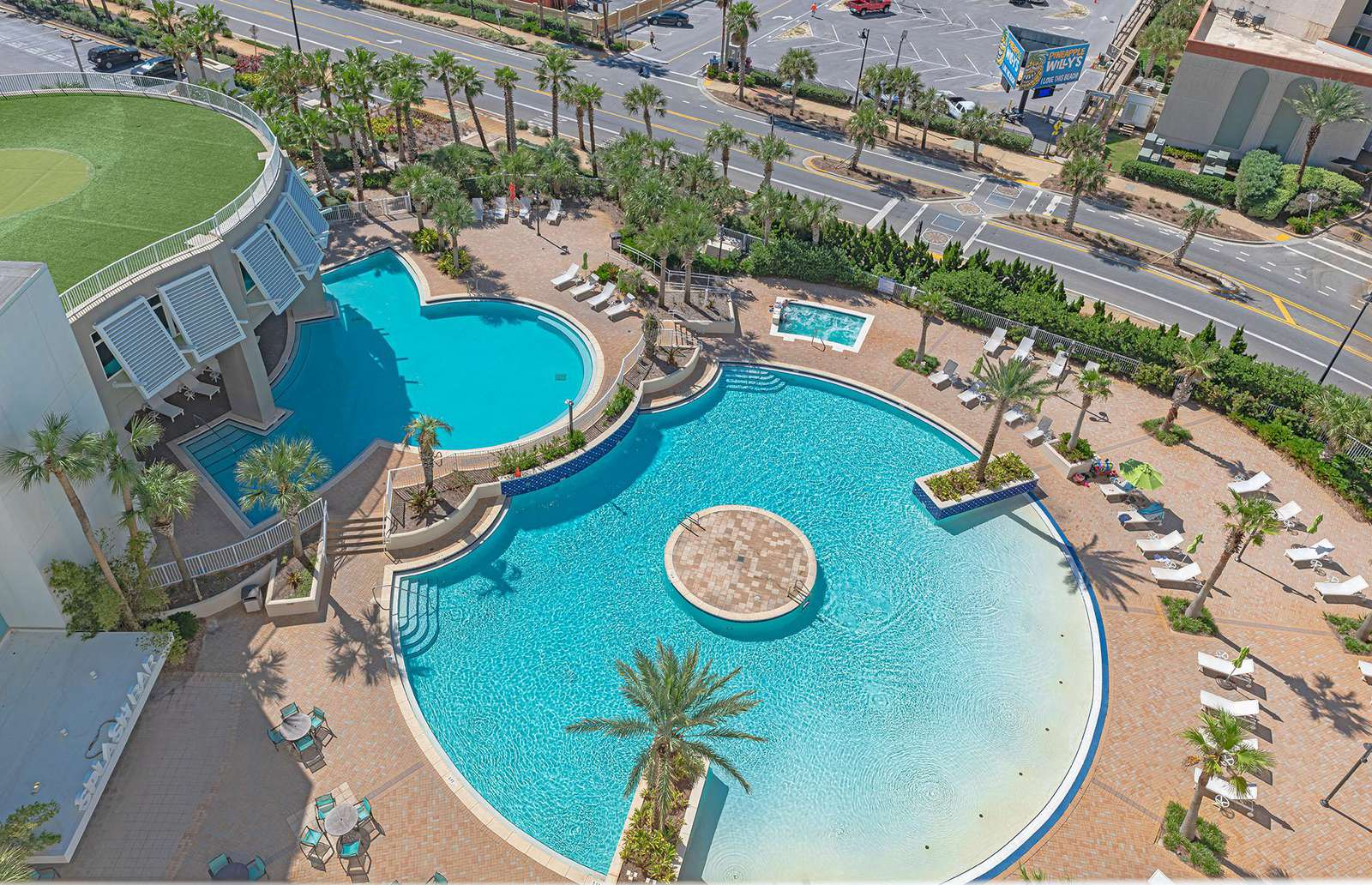 Welcome to Laketown Wharf - packed with amenities!