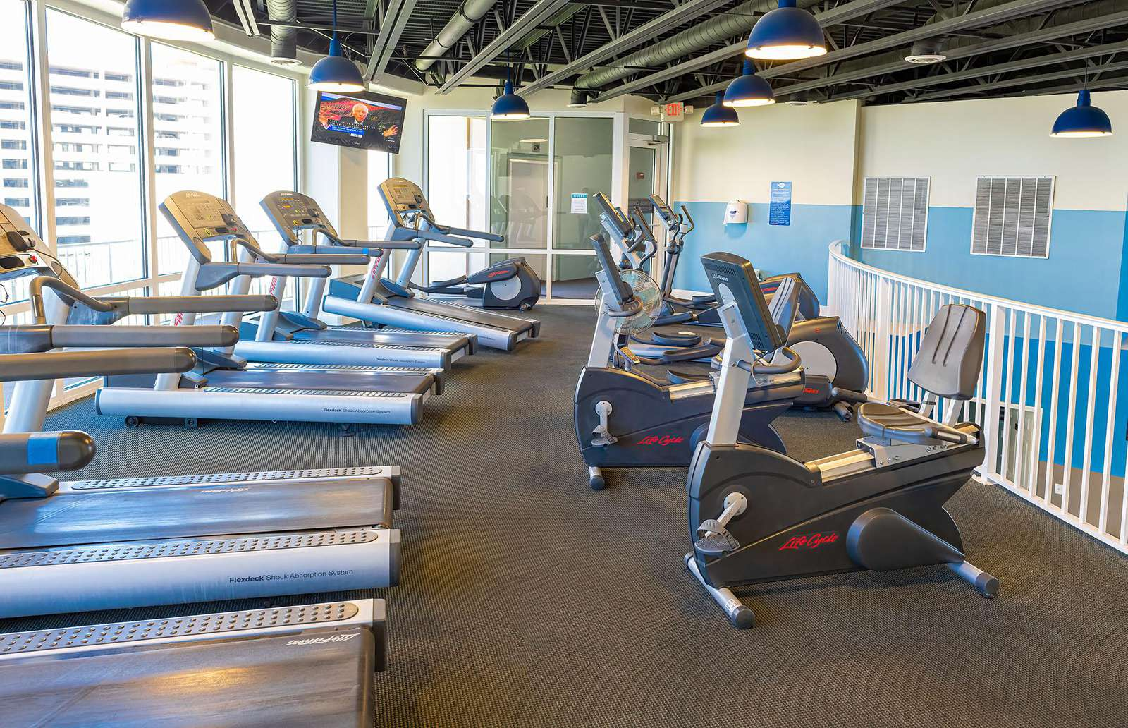 Nicely equipped exercise facility!