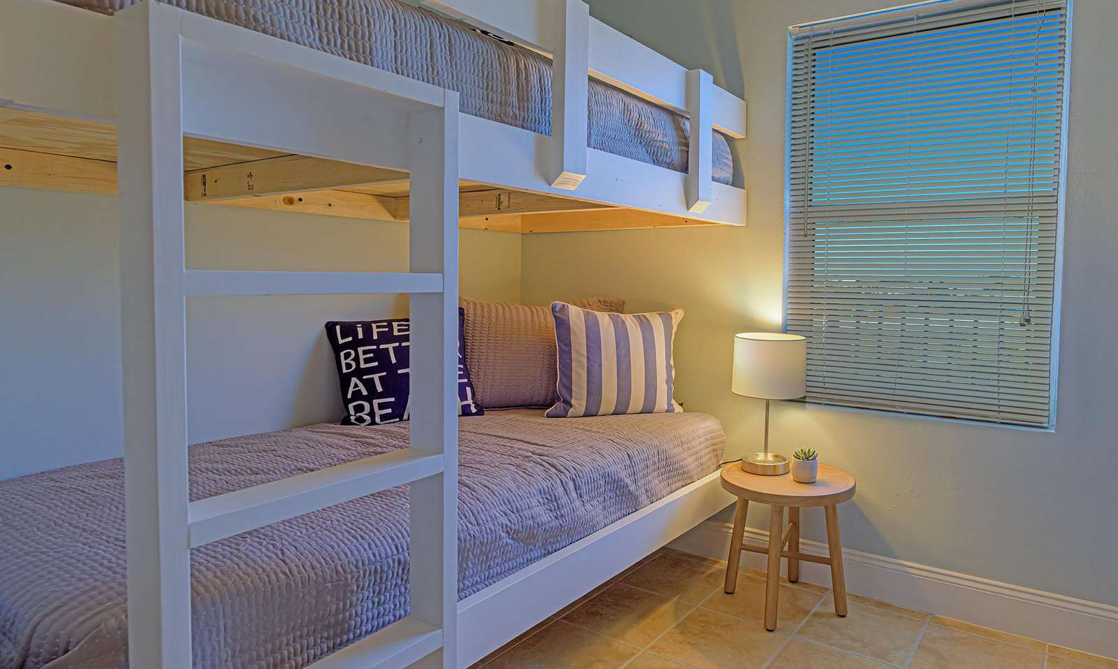 The nestled bunks are great for young adults or small children!