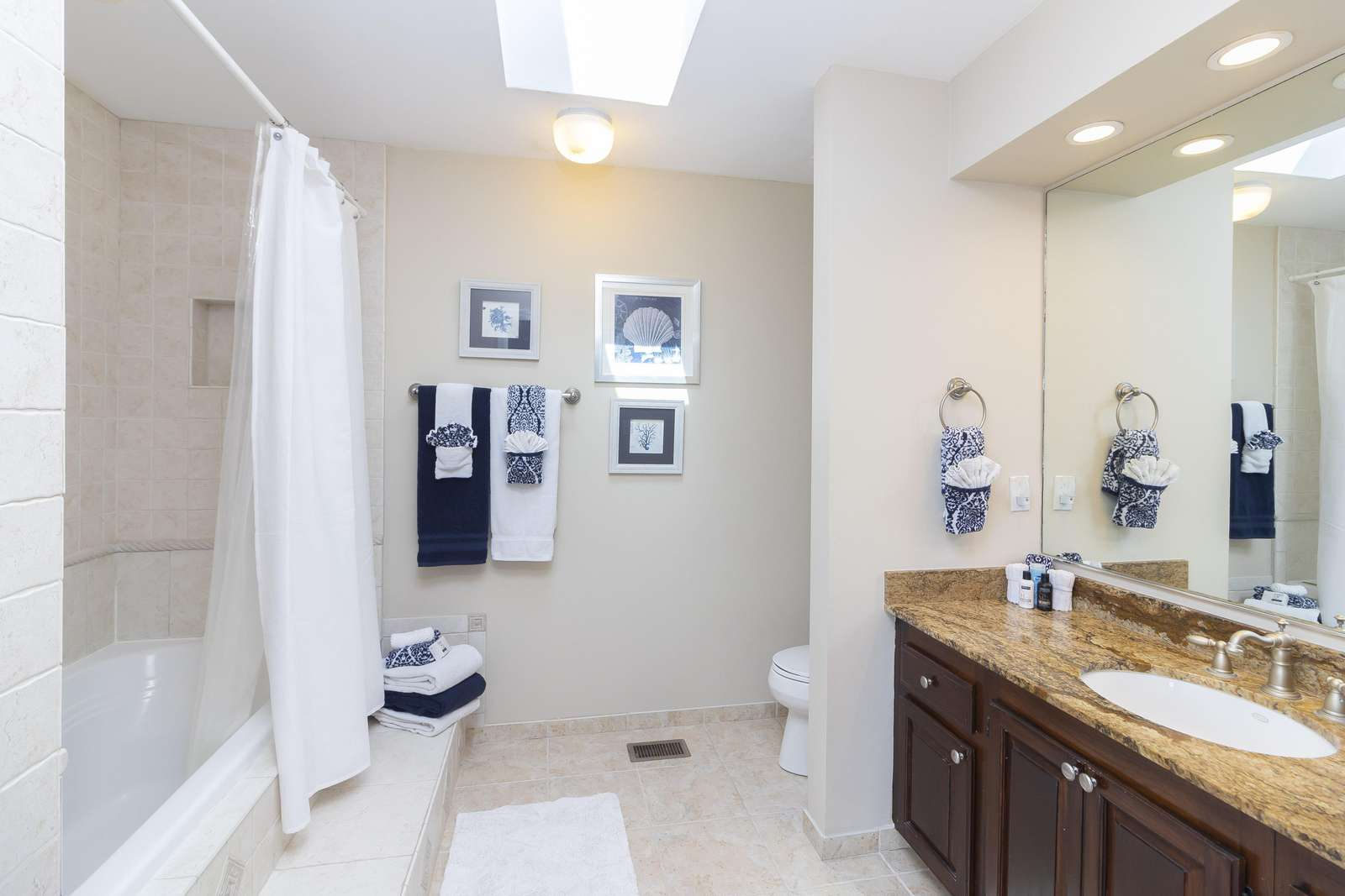 Ocean Sunrise - Master Bath En' suite