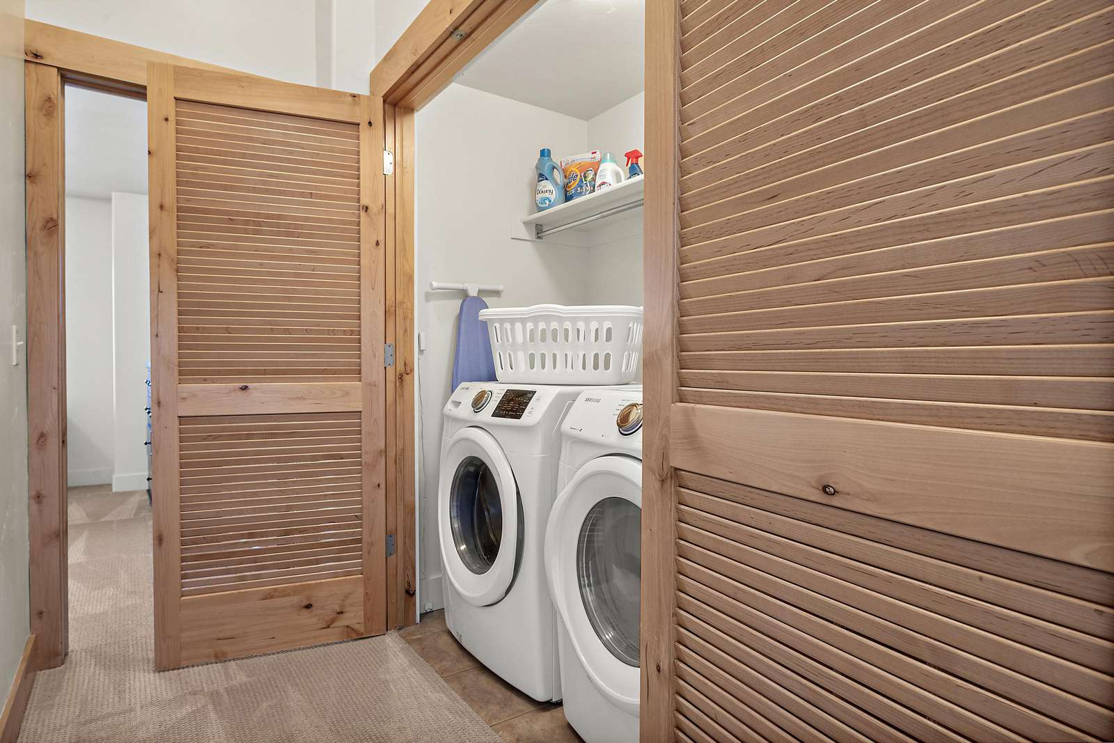 Property equipped with washer and dryer