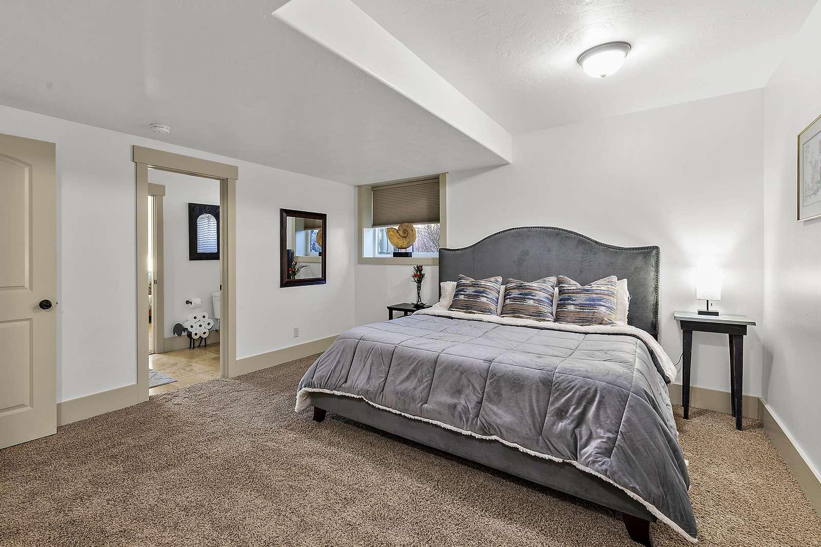 Master bedroom with en-suite bathroom