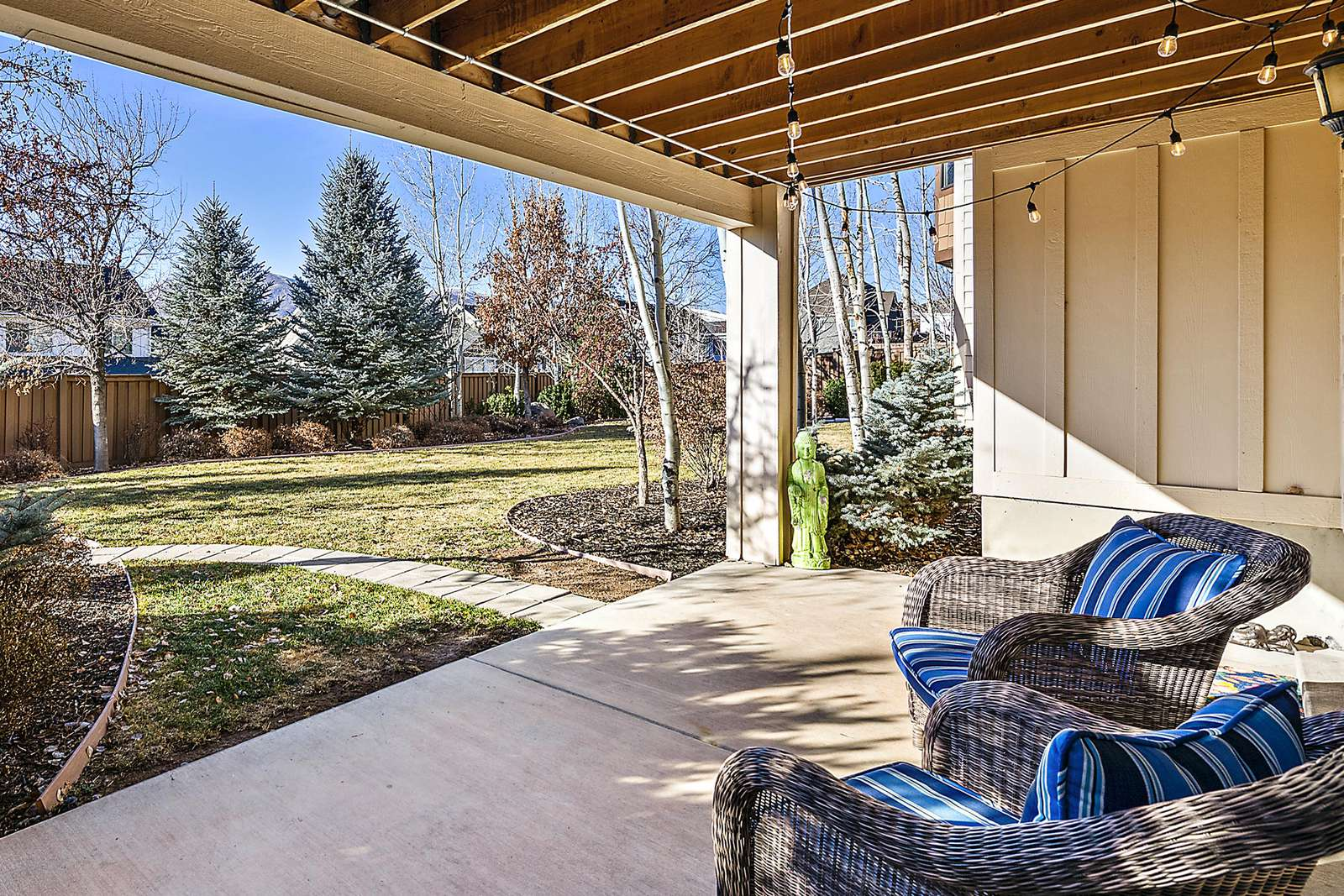 Relaxing open area accessed through living area