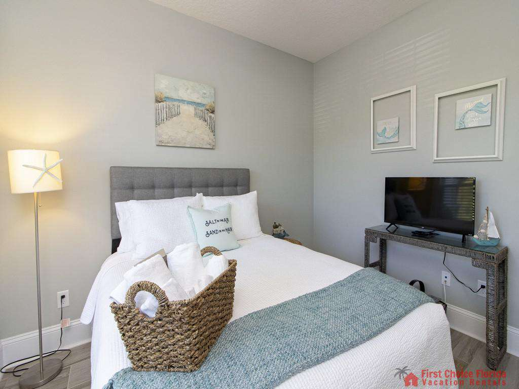 Seaside Retreat - Queen Guest Bedroom w/ TV
