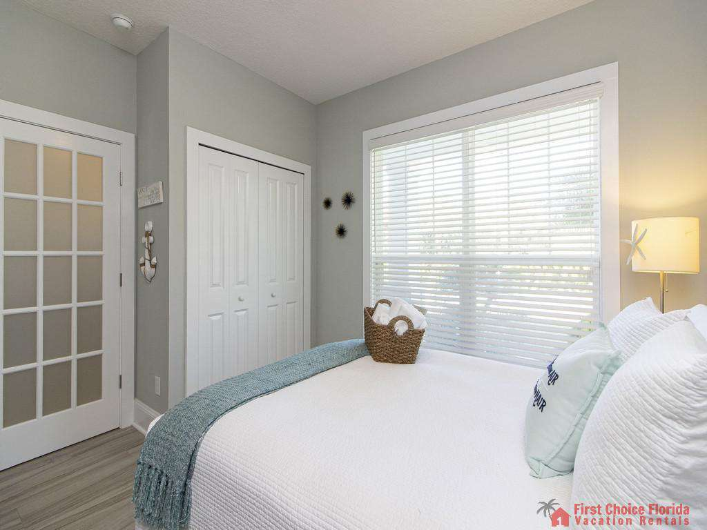 Seaside Retreat - Queen Guest Bedroom