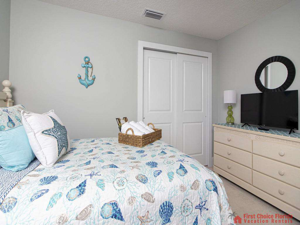 Seaside Retreat - Guest Bedroom w/ TV