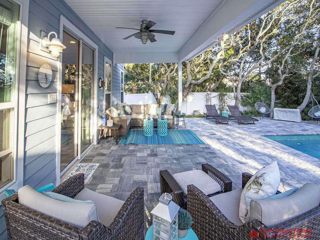 Seaside Retreat - Covered Patio