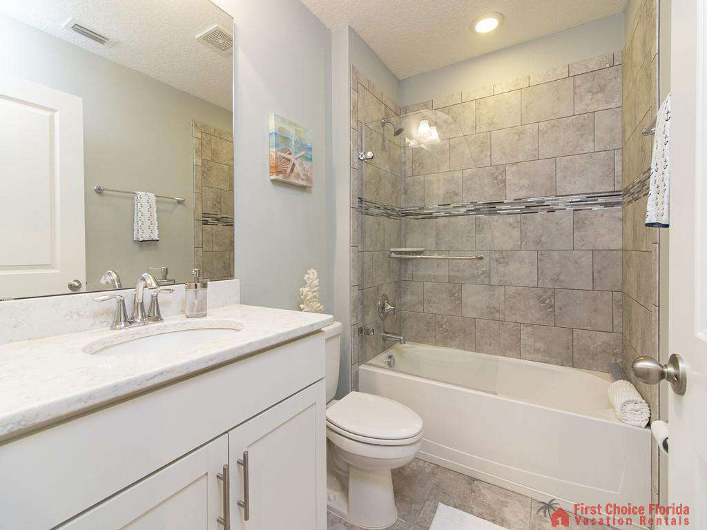 Seaside Retreat - Guest Bathroom