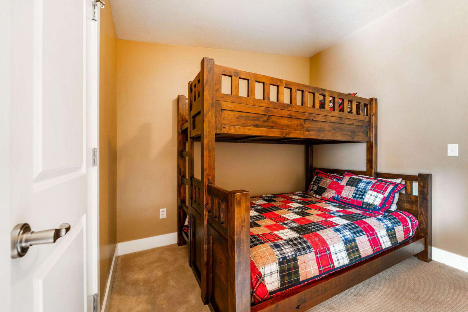 Sturdy and comfy bunkbed
