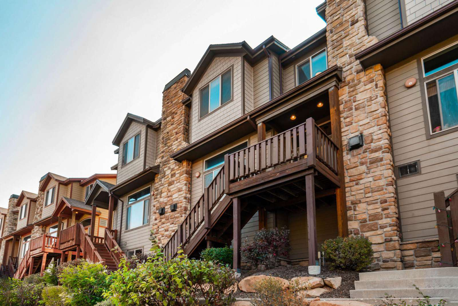 Townhome nestled in quiet Bear Hollow Village