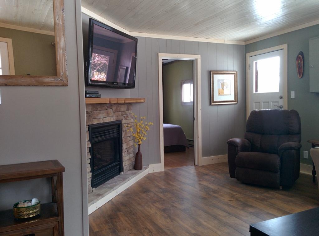 Queen Bedroom off Living Room