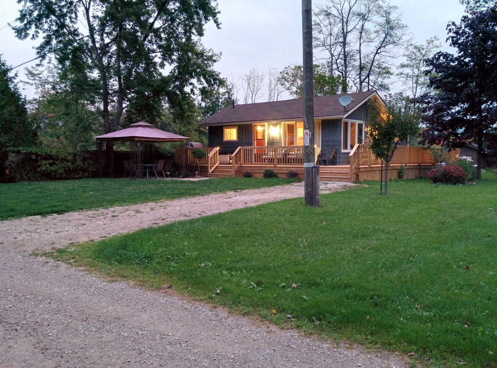 Lake Street Cottage