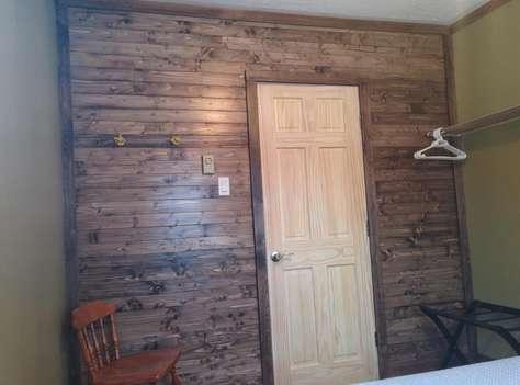 Queen Bedroom Entrance