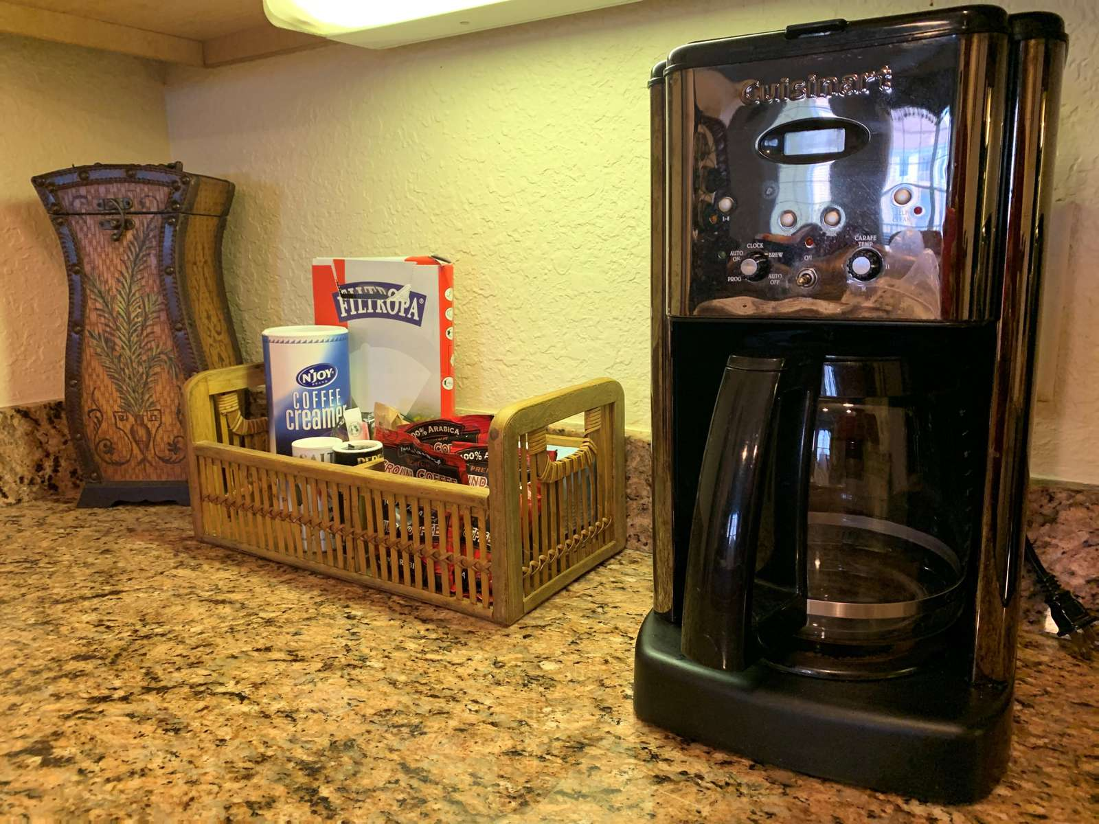 Coffee maker and coffee starter kit