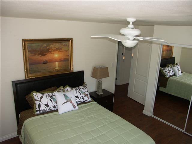 bedroom #1 w/queen size bed