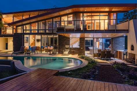 Casa Brisas del Mar- Luxury 6 Bedroom Ocean View Home