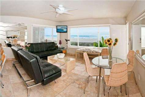 #102 Luxury Mission Beach Ocean Front Two Bedroom Sleeps 8